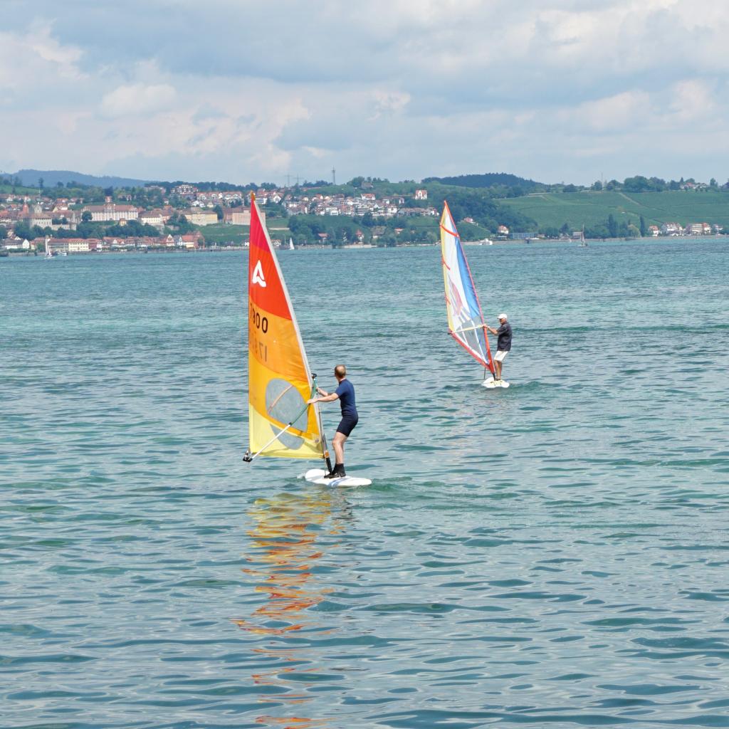 Helmut Bauch beim Windsurfen